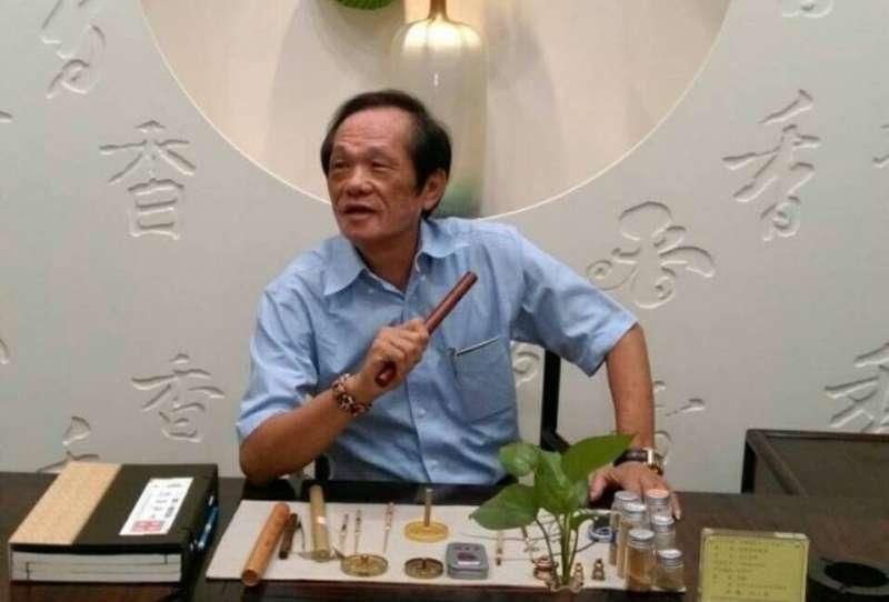 高雄市遊覽車公會理事長江其興讚許趙天麟推動雙城交流的努力。(圖/江其興提供)