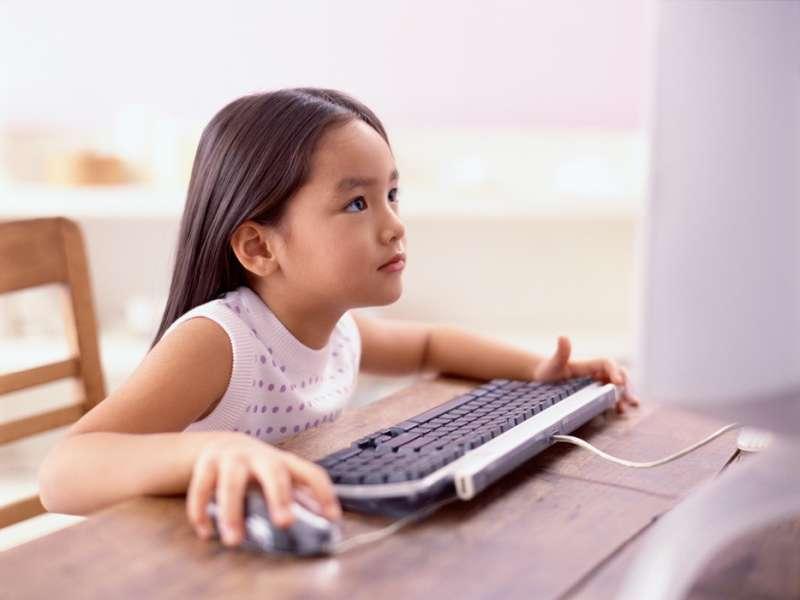 隨著科技發展,許多知識及資訊都可以從網路上獲得,孩子的學習方式也將有大幅改變。圖/hardwarezone