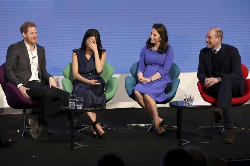 威廉王子夫婦和哈利王子及未婚妻梅根首次共同出席公開活動,互動成為焦點。(AP)