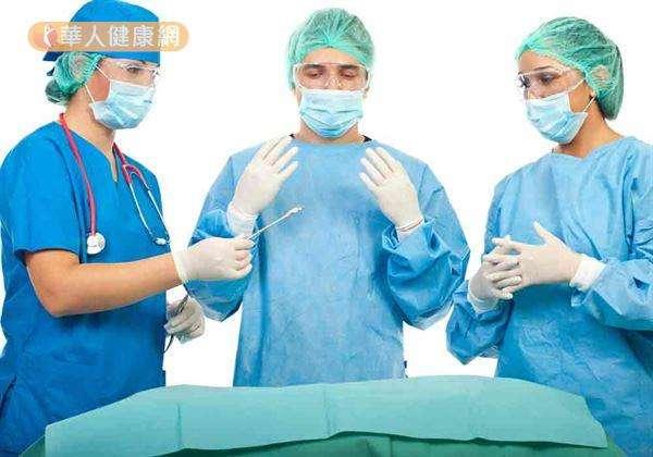 睪丸癌治療多以手術切除為主,對日後生育能力會造成影響。(圖/華人健康網提供)