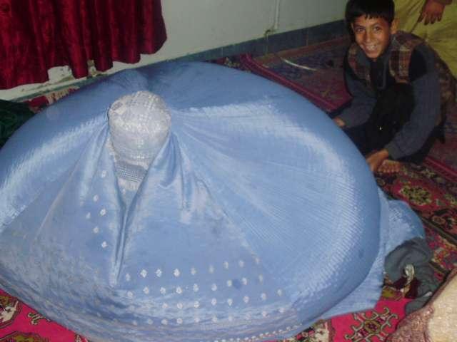 圖2-布卡帳篷。(作者亞瑟蘭提供)
