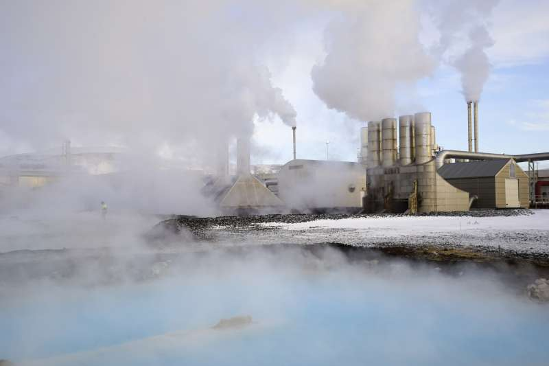 冰島低廉的電價與寒冷的氣候,深受挖礦公司青睞。(AP)