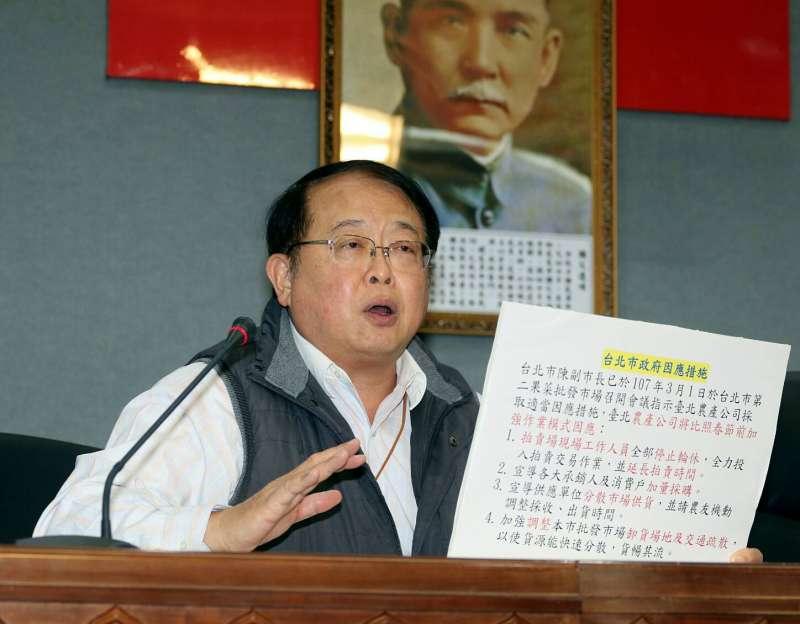 2018-03-07-為北農連休爭議,台北市副市長陳景峻和市場處長許玄謀共同召開記者會。許玄謀。(蘇仲泓攝)