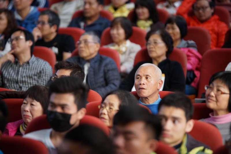 20180311-「城市新力量」座談會,民國黨主席徐欣瑩與台北市長柯文哲對談,民眾踴躍參加。(盧逸峰攝)