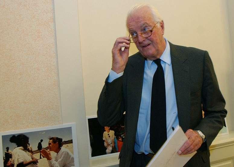 法國傳奇時裝設計師紀梵希日前辭世,享壽91歲(美聯社)