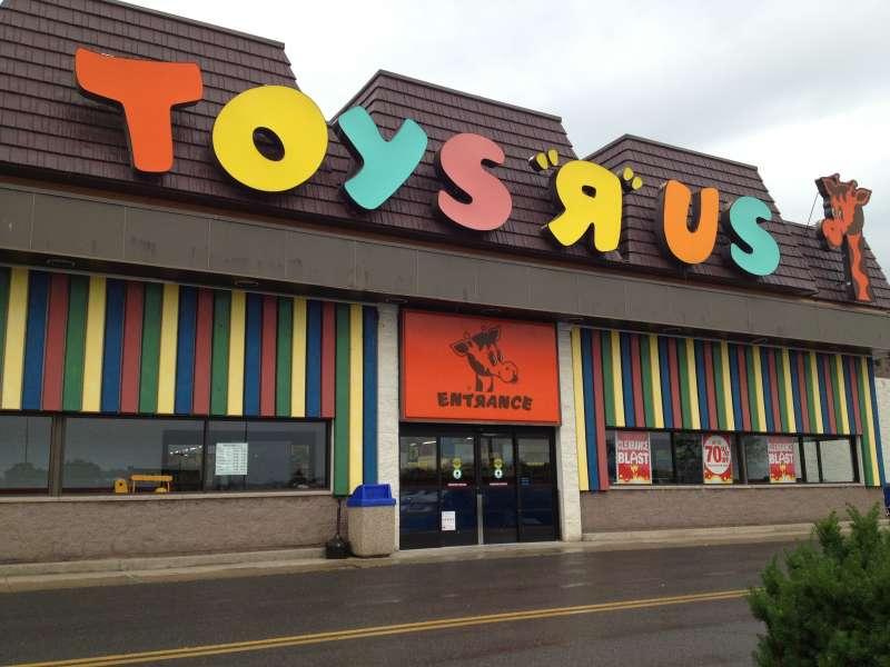 玩具反斗城是全美數個世代孩童的歡樂天堂。(Laura Northrup @Flickr/CC BY 2.0)