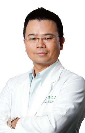 陳大正 整形外科專科醫師(圖/群英整形外科提供)