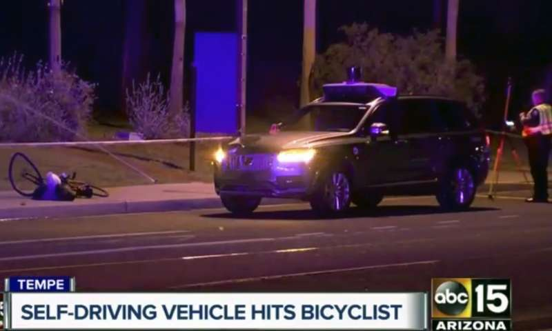 18日深夜,美國亞利桑那州坦佩市傳出Uber全自動駕駛汽車撞死行人的交通意外(美聯社)