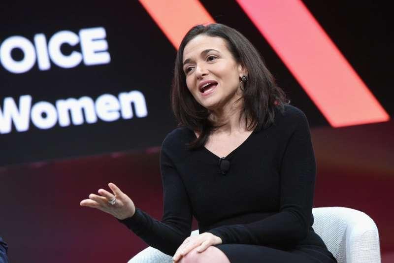 知名科技投資人傑森‧卡拉卡尼斯 (Jason Calacanis) 認為佐克伯的危機處理能力糟糕透頂,提議執行長的位置應該交棒給營運長雪柔‧桑德伯格(Sheryl Sandberg)。 (圖/取自Twitter,數位時代提供)