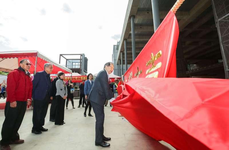 聯發科技執行長蔡力行親自為新大樓上樑儀式揭幕。(圖/聯發科技提供)