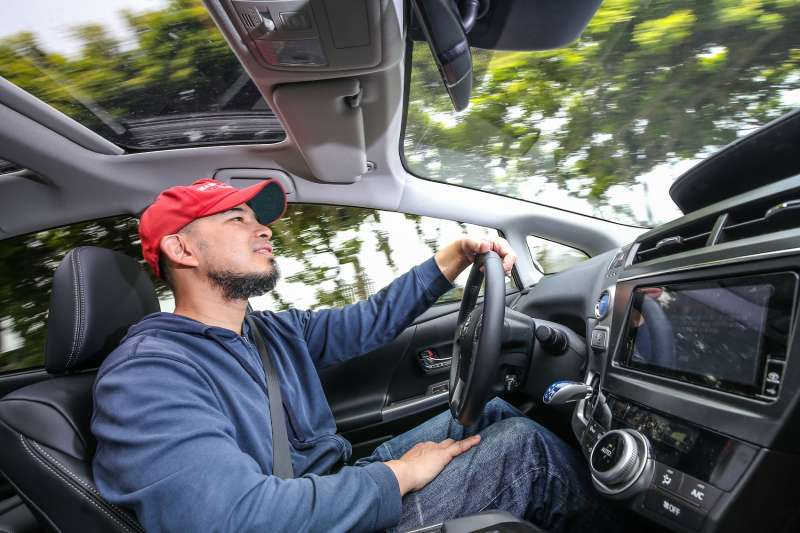獨步全球的TOYOTA HSD油電複合動力科技,具有環保低排放、充沛動力輸出、卓越的燃油經濟性、寧靜的乘駕感等四大特色,提供最具經濟效益的行車體驗。(圖/Toyota)