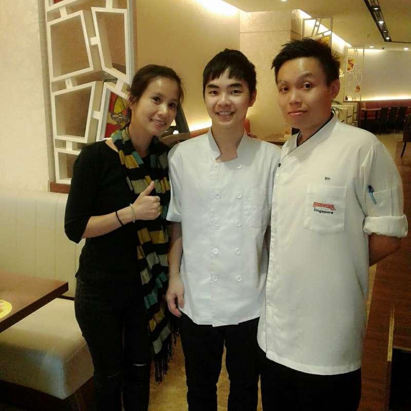 餐旅系老師張馨芸指出,新加坡吸納全球知名觀光餐旅企業進駐,是國際人才流動的最佳平台。(圖/育達科大提供)