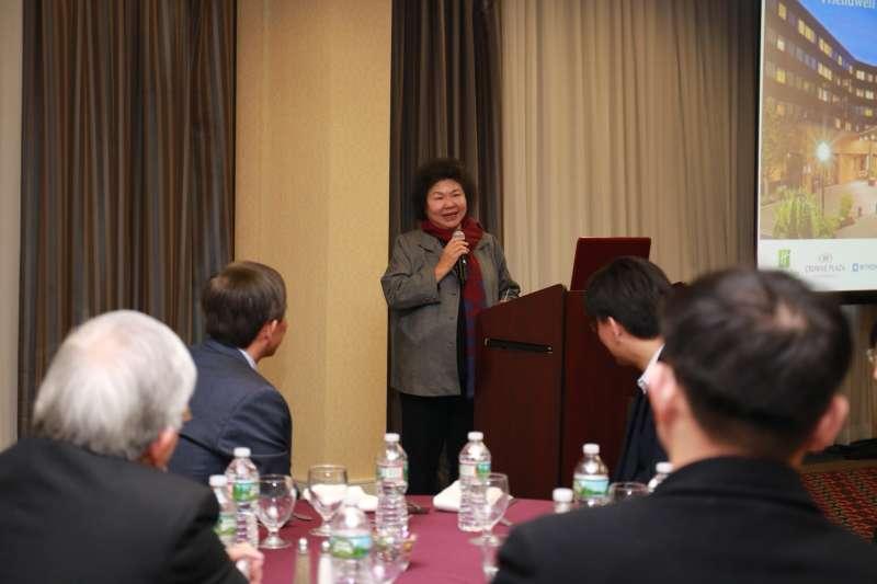 高雄市長陳菊在美與僑胞相見,籲支持台灣的「轉型正義」。(高雄市政府提供)