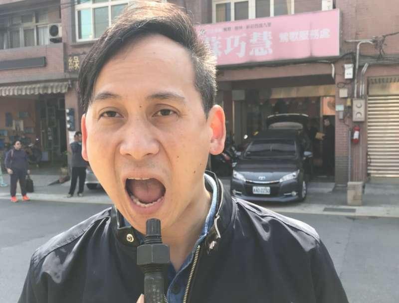 2018-03-26-國民黨新北市議員參選人葉元之近期追打捷運議題,並嗆說若三鶯線沒動工要吞螺栓。(取自葉元之臉書)