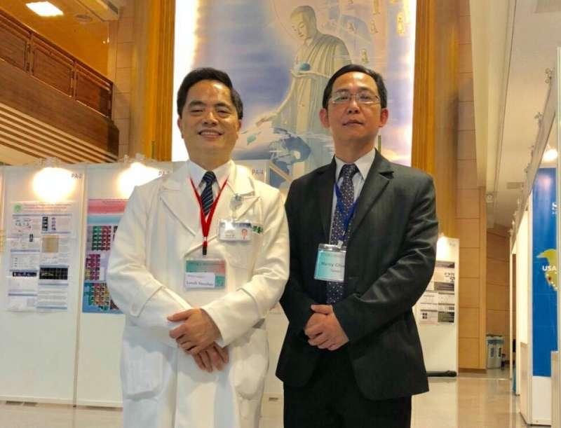 花蓮慈濟醫院院長林欣榮(左)是台灣首創將胚胎幹細胞成功移植在巴金森氏症患者身上的第一人,右為國璽集團董事長莊明熙。(圖/國璽集團提供)