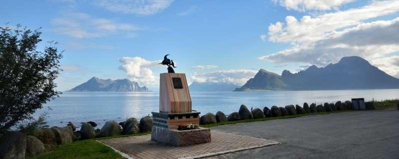 「烏瑞帕森紀念碑」儼然為挪威海爾格蘭濱海地區的觀光新寵。(圖/取自nasjonaleturistveger ,瘋設計提供)