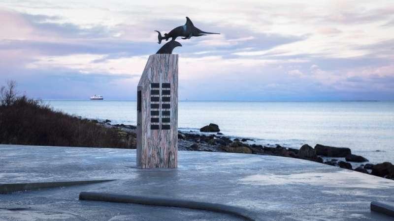 「烏瑞帕森紀念碑」為紀念二戰沉沒的潛水艇 -「Uredd」。(圖/取自nasjonaleturistveger ,瘋設計提供)