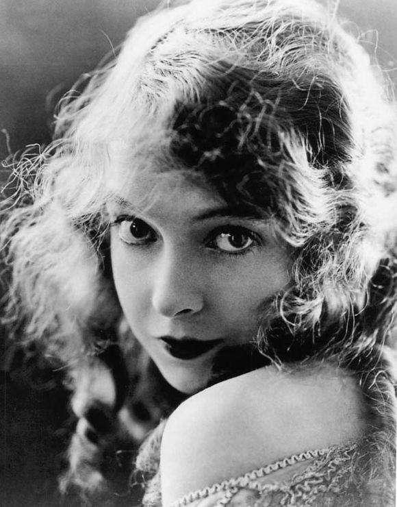 Lillian Gish少女時期。(圖/言人文化提供)