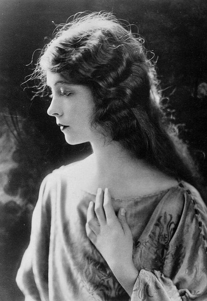 Lillian Gish劇照。(圖/言人文化提供)