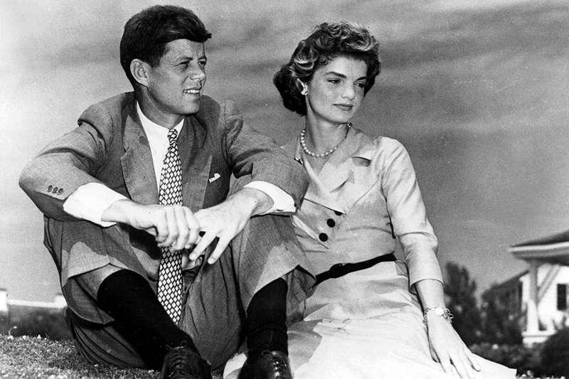 甘迺迪和賈桂琳可謂郎才女貌。(圖/言人文化提供)
