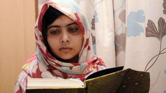 瑪拉拉遭到恐怖組織「神學士」槍擊後,被送到英國接受治療(美聯社)