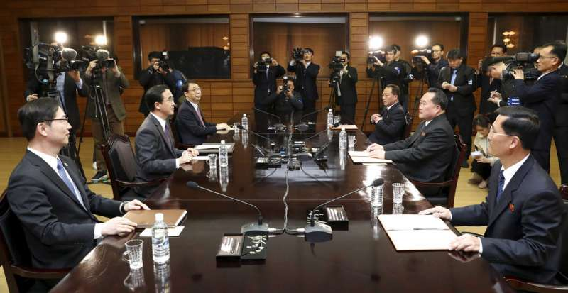 南北韓高級別代表29日在板門店會面。(美聯社)