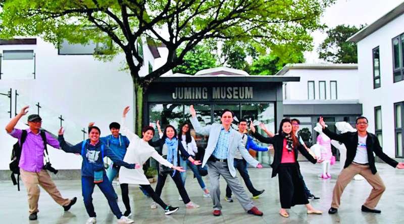 童振源說:「台灣民間的力量,讓泰國社會是有感的。」(翻攝自童振源臉書)