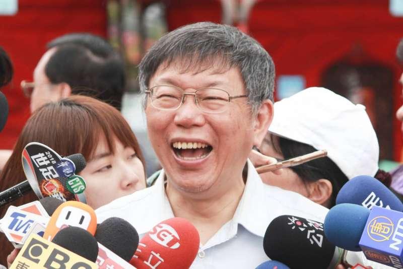 20180404-台北市長柯文哲4日前往陽明山,參加海芋季活動,接受聯訪。(方炳超攝)