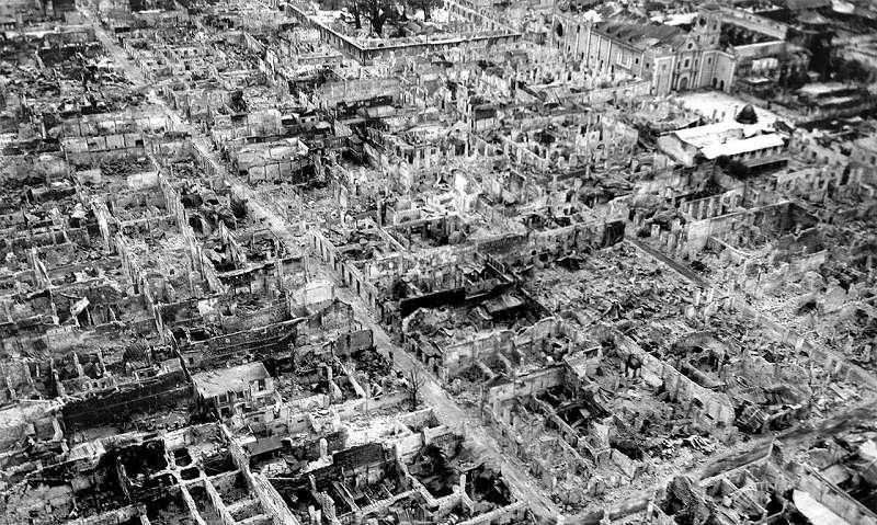被摧毀的馬尼拉城,1945年5月。(維基百科)