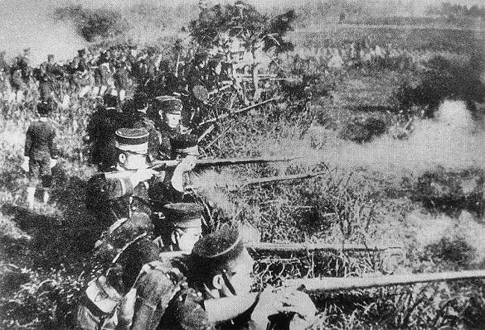 甲午戰爭中攻擊清軍的日軍。(維基百科)