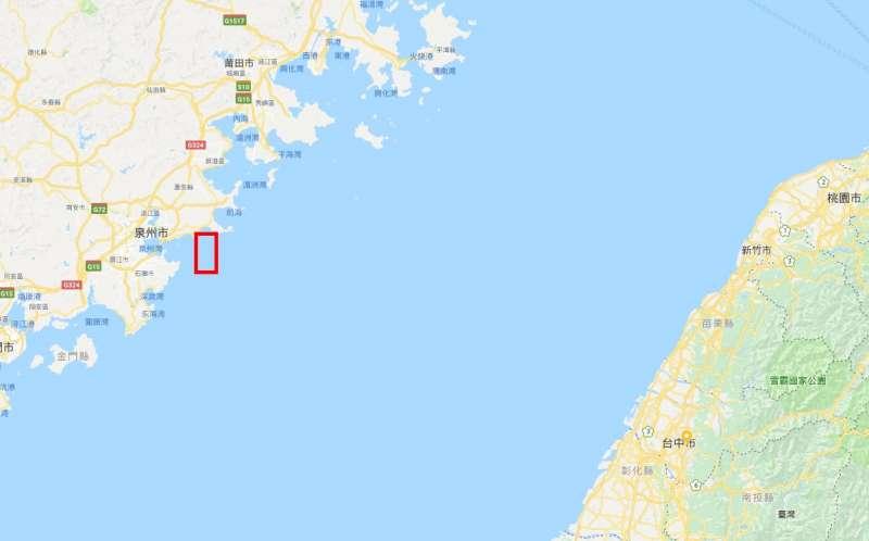中國福建海事局今(12)天又發佈警告表示,本月18日早上8時至晚間12時,將在台灣海峽進行實彈射擊軍事演習,並在相關海域實施臨時禁航。演習位置約為圖中紅圈處。(取自Google Map)