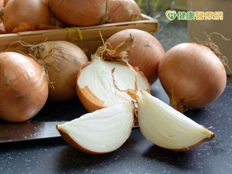 洋蔥富含豐富的膳食纖維、鉀、鈣、含硫胺基酸、含硫化合物,以及槲皮素等。(圖/健康醫療網提供)