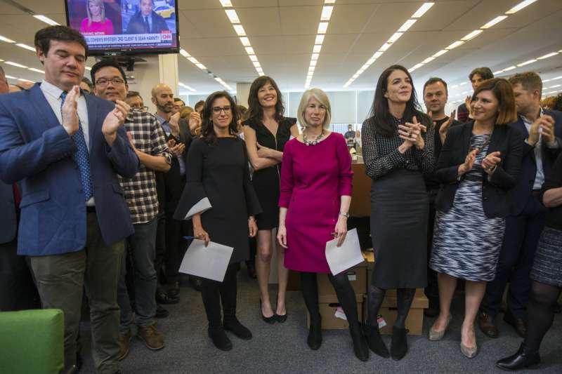 2018年普立茲獎揭曉,《紐約時報》以揭發好萊塢著名製作人溫斯坦性侵惡行、催生全球「我也是受害者」(#MeToo)風暴榮膺「公共服務獎」(AP)