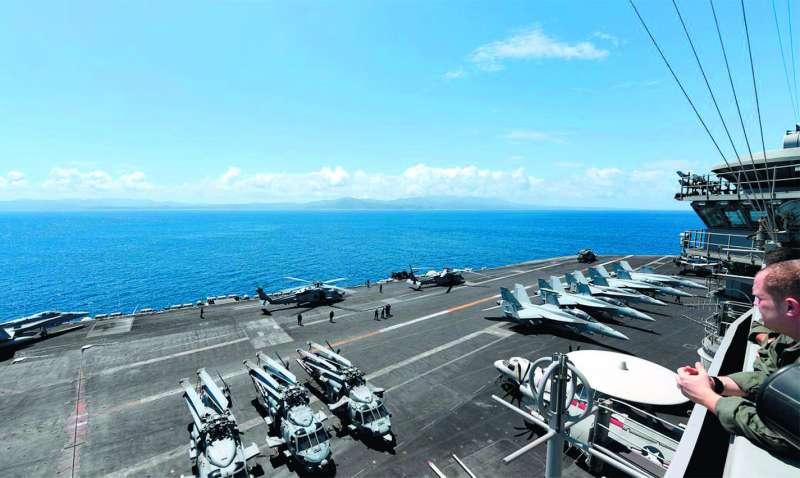 羅斯福號航母執行南海巡弋任務,美方稱是為確保南海的航行自由。(翻攝自USS Theodore Roosevelt臉書)