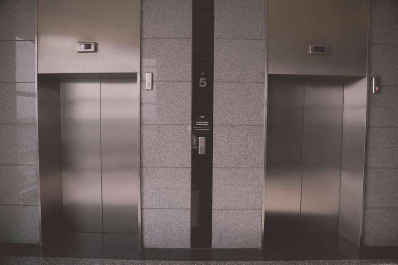 電梯(示意圖/nakataza02@pixabay)