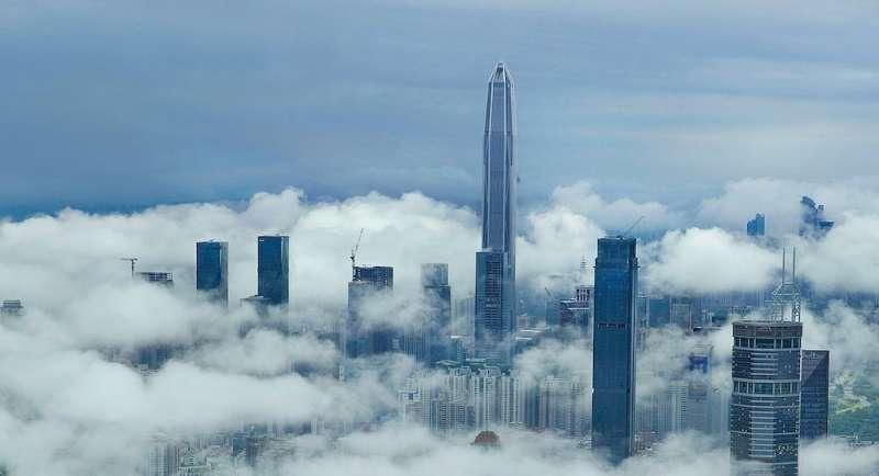 圖中最高的建築爲深圳的平安國際金融大厦。(圖/取自築訊中國,愛范兒提供)