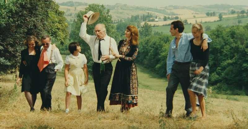 《五月傻瓜》帶來路易馬盧難得的溫情喜劇,家族間的平穩或擾動都在精細運鏡下無所遁形。(圖/高雄電影館提供)