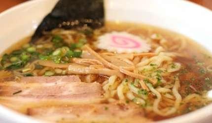 分地區都大受歡迎的「〆料理」中,最經典的選擇就是不管日本各地都一定吃得到的「拉麵」。(圖/樂吃購!提供)