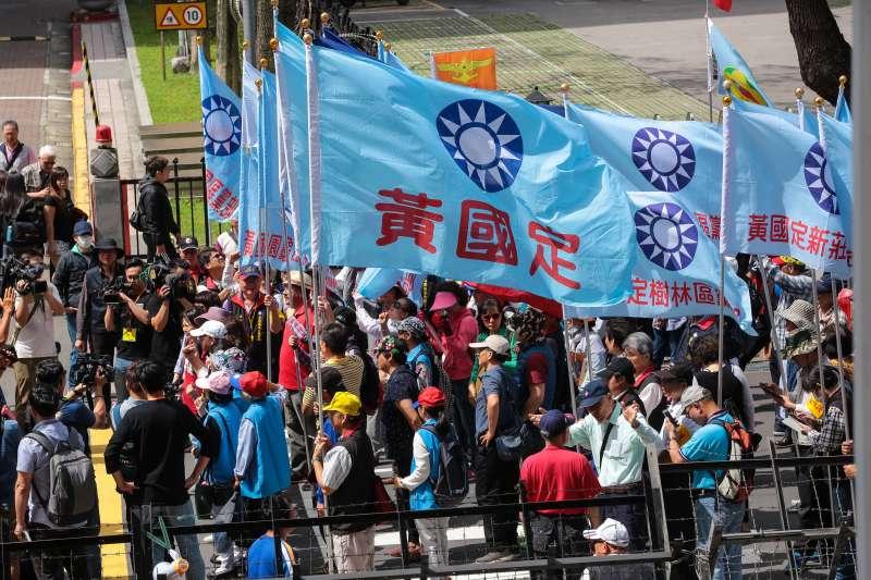 20180510-國民黨黃復興黨部10日至立院外聲援八百壯士。(顏麟宇攝)