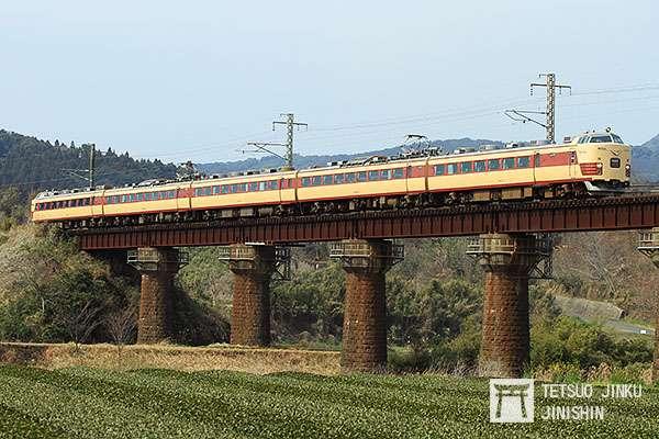 JR九州的485系國鐵特急色塗裝車,2015年退役。值得一提的是,這列特急原本在民營化後,改為九州自行設計的特別色,但2010年恢復成國鐵色。(圖/想想論壇提供)