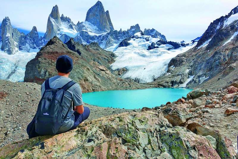 阿根廷菲茨羅伊峰的碧藍高山湖。(圖/山岳出版提供)