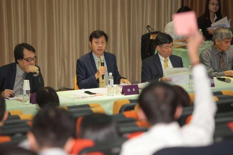 20180512-台大代理校長郭大維12日出席主持台大臨時校務會議。(顏麟宇攝)
