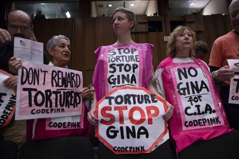 5月9日,哈斯佩爾出席參議院情報委員會聽證會,反對哈斯佩爾接掌CIA的民眾到場抗議(AP)