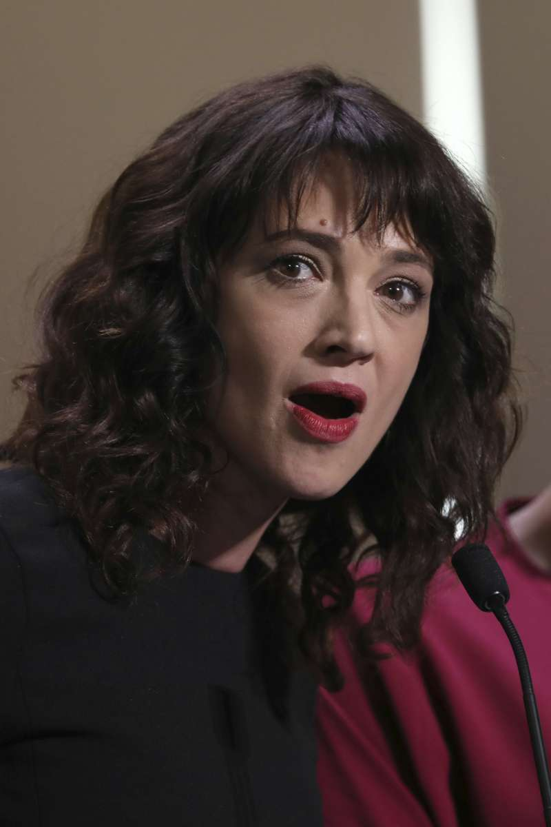 義大利女星艾希亞阿基多自曝曾被美國色魔監製哈維溫斯坦強暴。(美聯社)