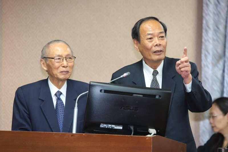 20180523-海巡署長李仲威(右)、海洋委員會主委黃煌煇(左)23日出席內政委員會備詢。(顏麟宇攝)