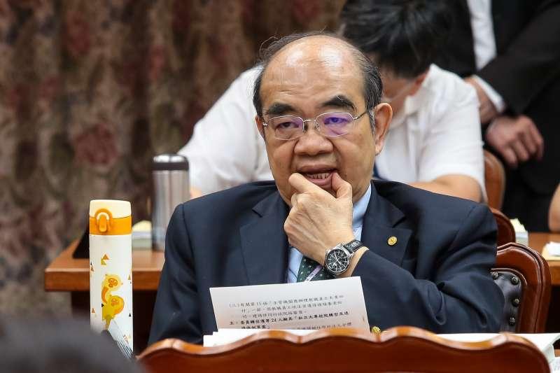 20180524-教育部長吳茂昆24日出席教育委員會,遭國民黨立委包圍抗議。(顏麟宇攝)