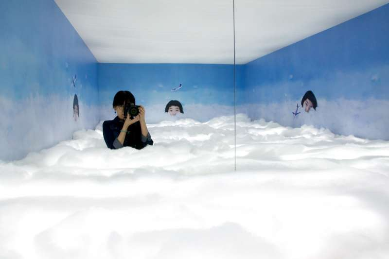 宮崎いず美展覽的3樓會場門口的自拍區。(圖/想想論壇提供)