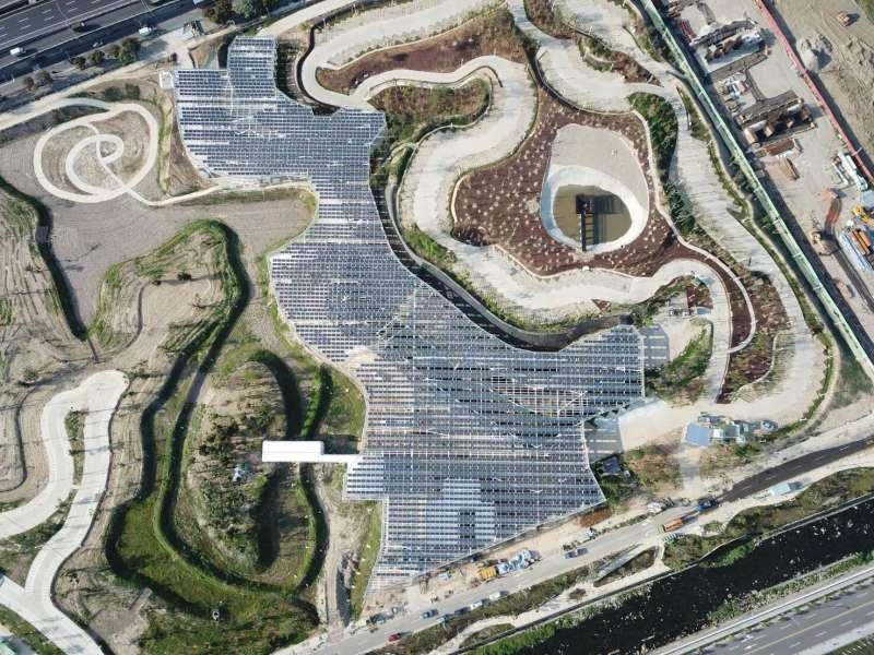 台中市水湳智慧城中央公園的138區5月底完工,設置7,000平方公尺太陽能光電板系統。(圖/台中市政府提供)