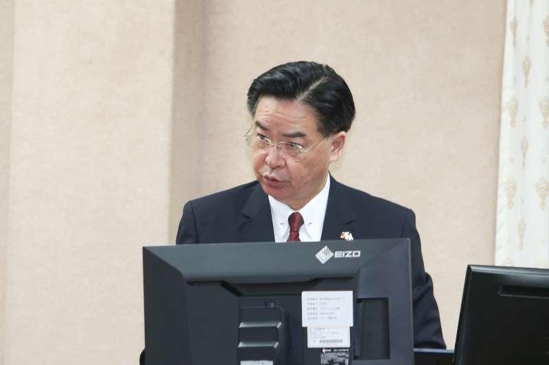 20180528-立法院,針對接連斷交,外交部長吳釗燮在外交及國防委員會列席報告並備質詢,神情肅凝。(陳明仁攝)