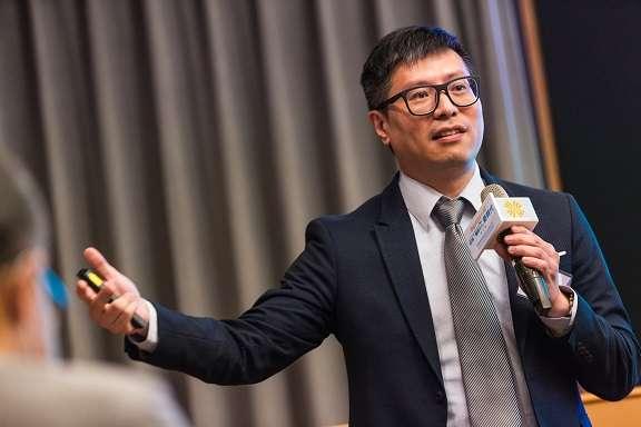 蕭育仁看好人工智慧應在健康醫療市場發展,且未來將朝向AI-as-a-Service模式發展。